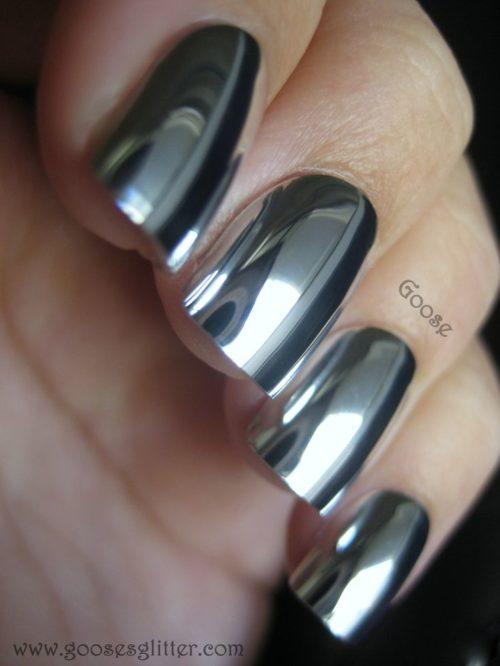 Uñas metalicas o metalizadas con diseños super elegantes