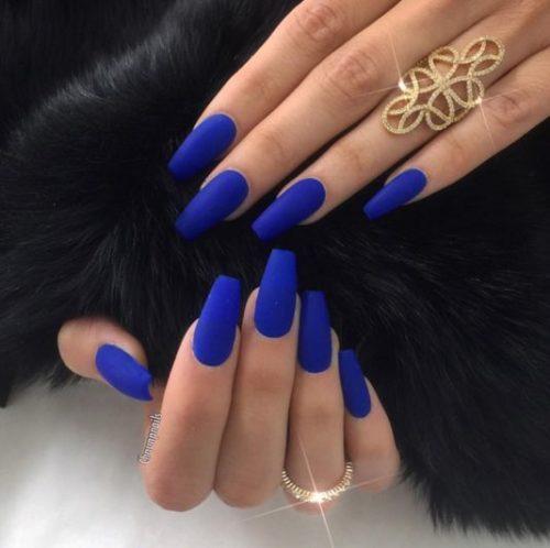 Unas para vestido azul rey