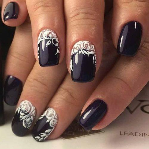 74b6593d2 Imagen con uñas blancas y negras muy lindas. Bello diseño de uñas decoradas  ...