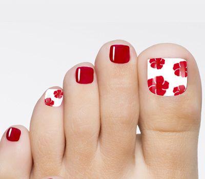 Uñas rojas decoradas pies