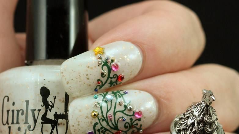 Uñas decoradas con diseños navideños para pies y manos