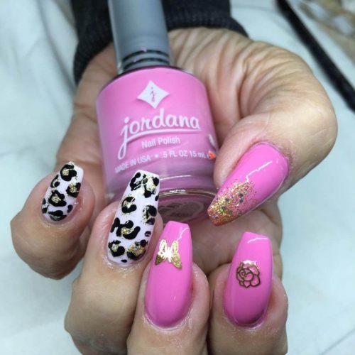 ... Animal Print Muy Bello Es Una Buena Idea Que Puedas Usar Esmalte Negro  Para Detallar Las Estampadas De Leopardo, Así Como Un Esmalte De Color Rosa  ...