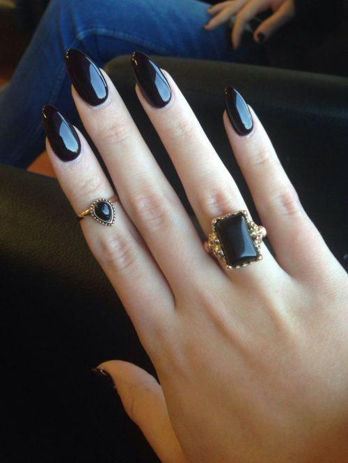 Uñas negras 2021 - Los diseños y combinaciones más bonitas